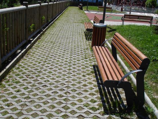 Pavimento celos a c sped pavicesped prefabricados alberdi for Celosias para jardin
